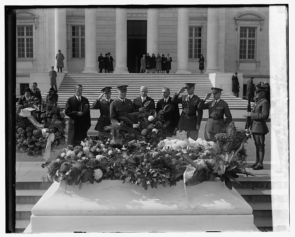 Armistice Day, Chief of Chaplains at Tomb of Unknown, Nov.11, 1926